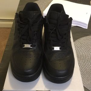 🅿️ay🅿️al only. Size 9.5 black Air Force 1's.